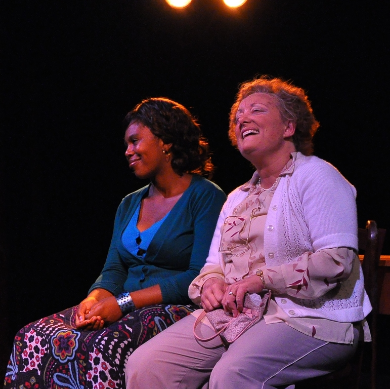 Ntombi Makhutshi as Stella and Robyn Scott as Rosa